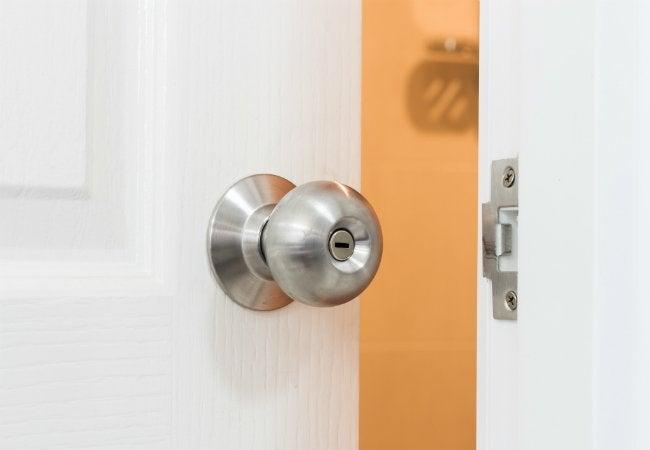 How to Remove a Doorknob - With Hidden Screws