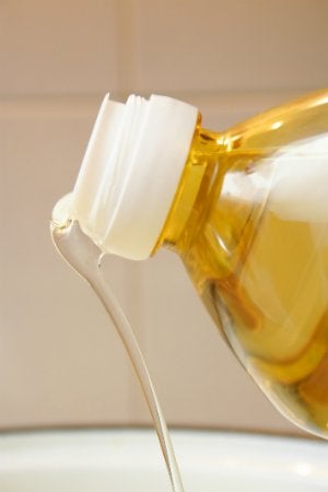 How to Remove Paint from Plastic - with Vegetable Oil