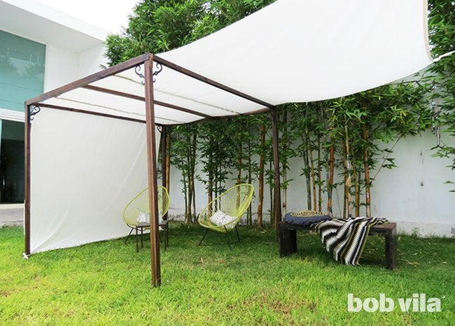 DIY Outdoor Privacy Screen - Expanded Shade