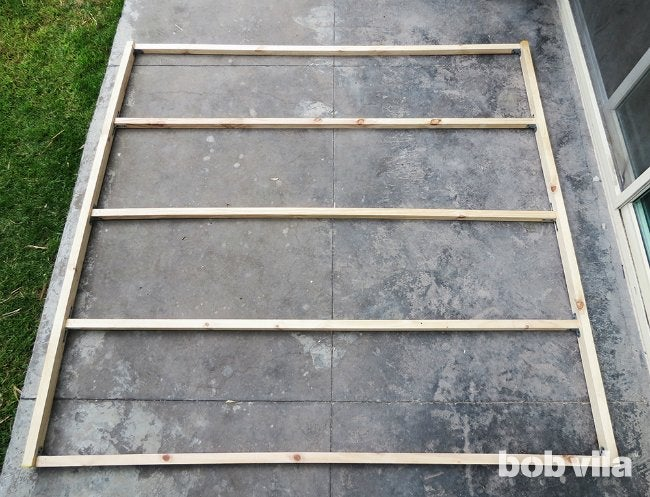 DIY Outdoor Privacy Screen - Step 1