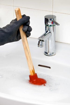 Clearing a Sink Clog - Do's and Don'ts