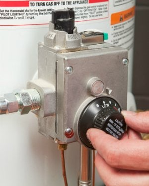 Adjust the Water Heater Thermostat When No Hot Water
