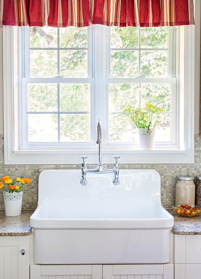 Improve Kitchen Ventilation by Opening Windows