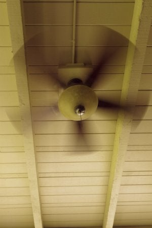 Changing the Ceiling Fan Direction