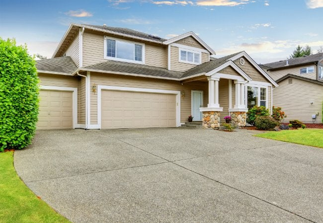 Driveway Cleaning Tips for Better Curb Appeal
