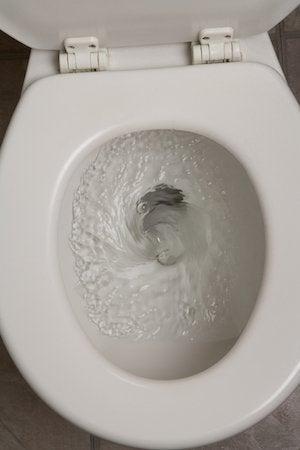 Cómo serpentear un inodoro