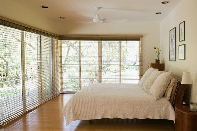 How to Install Blinds in the Bedroom