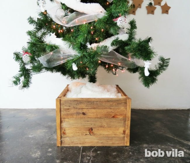 How to Make a DIY Christmas Tree Stand