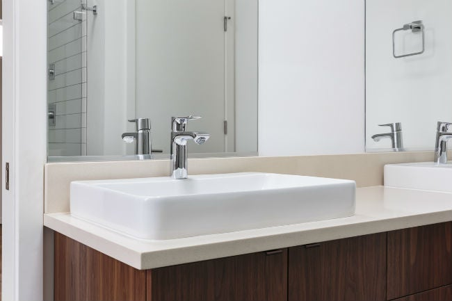 How to Remove Wall Mirror in the Bathroom