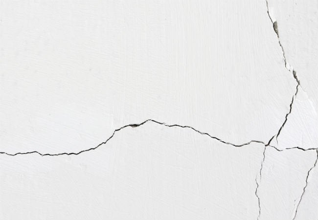 Solved! How Concerned You Should Be About Cracks in the Walls