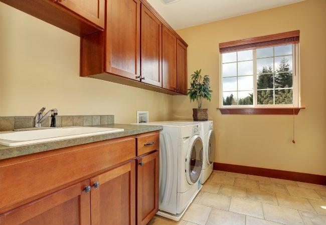 5 Best Options for Laundry Room Flooring
