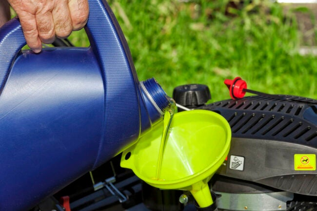 Lawn Mower Oil How to Choose