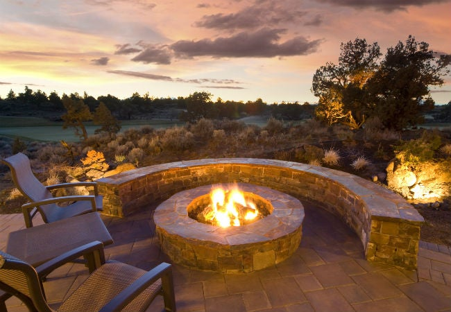 Building A Fire Pit Keep In Mind These 8 Dos And Don Ts Bob Vila