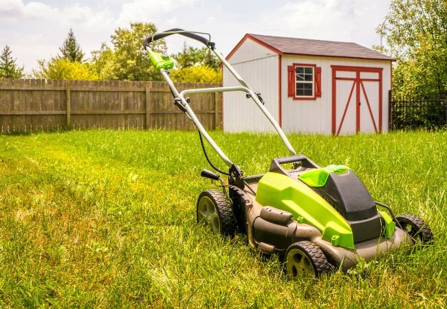 5 Things to Know Before Buying a Battery Mower