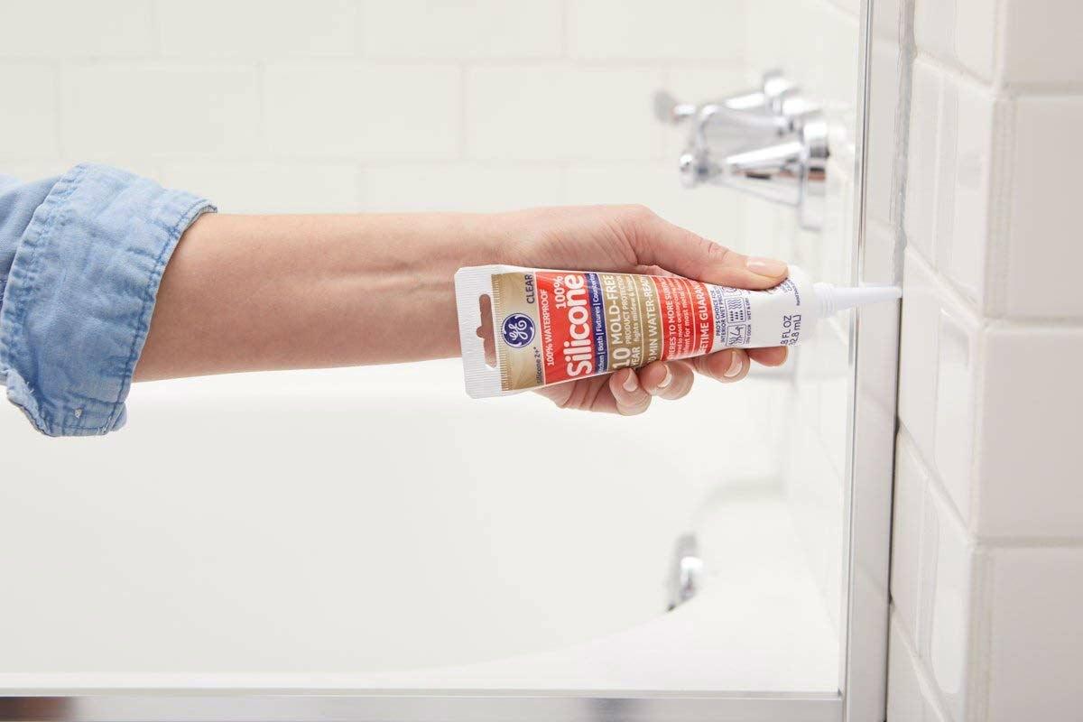 The Best Caulk for Shower or Bathtub: GE Silicone 2+