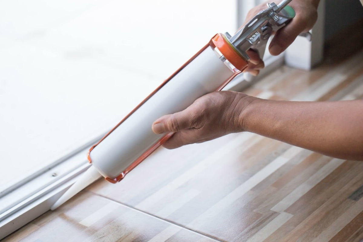 How Long Does Caulk Take to Dry? Solved!