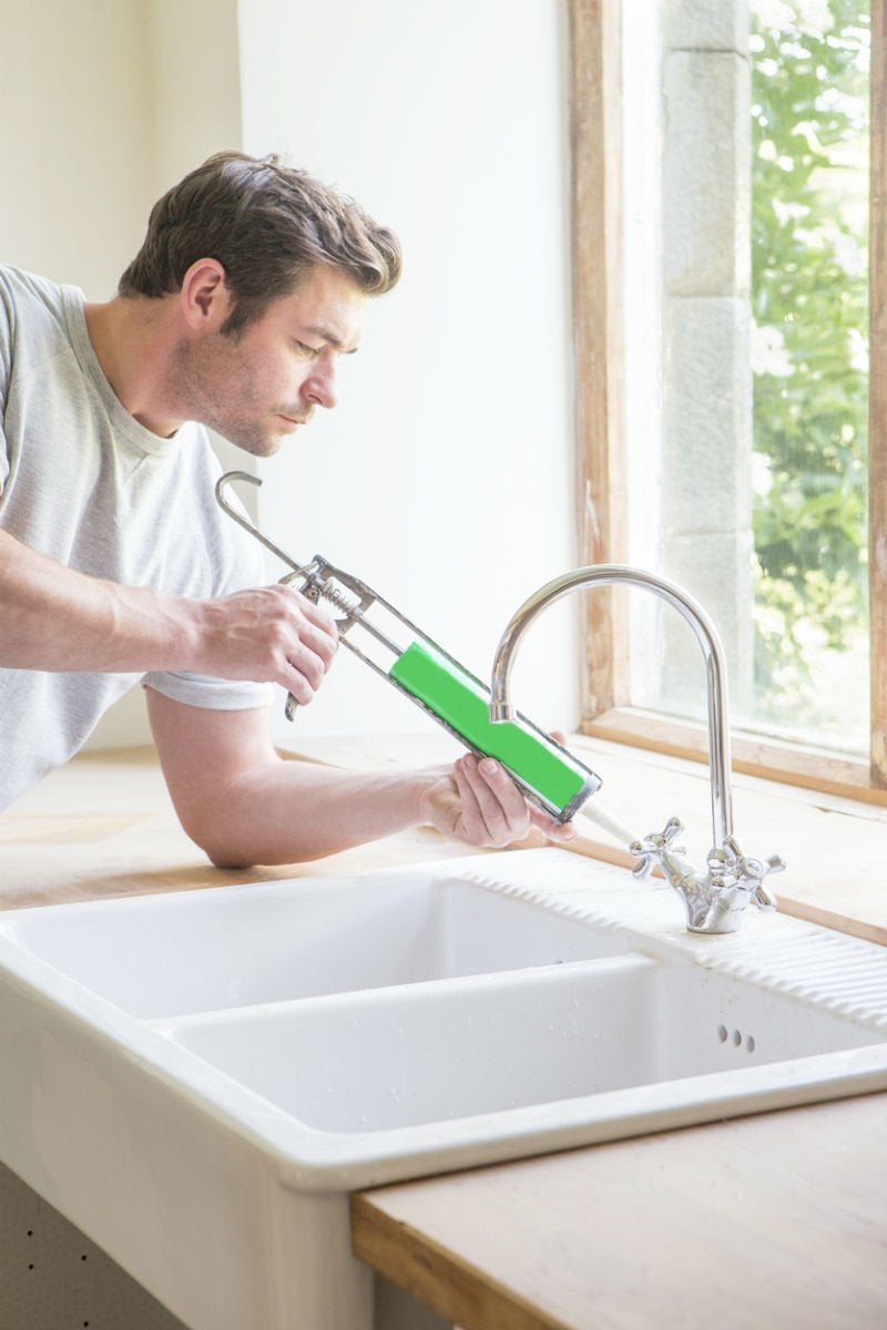 How Long Does Caulk Take to Dry Around a Sink? Solved!