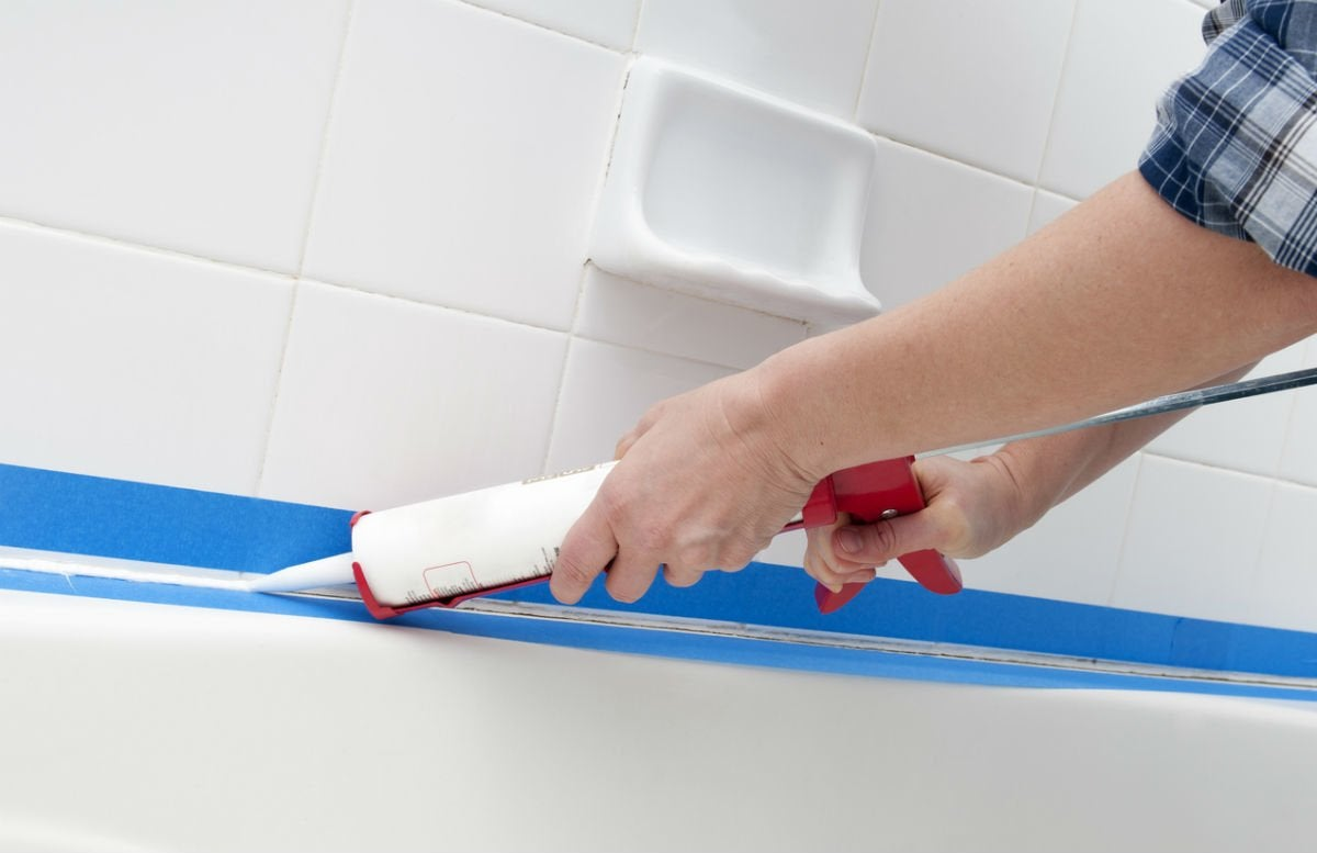 How Long Does Caulk Take to Dry Around a Tub? Solved!