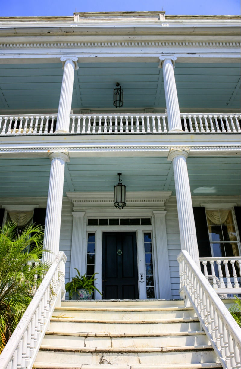Here's Why You See So Many Blue Porch Ceilings