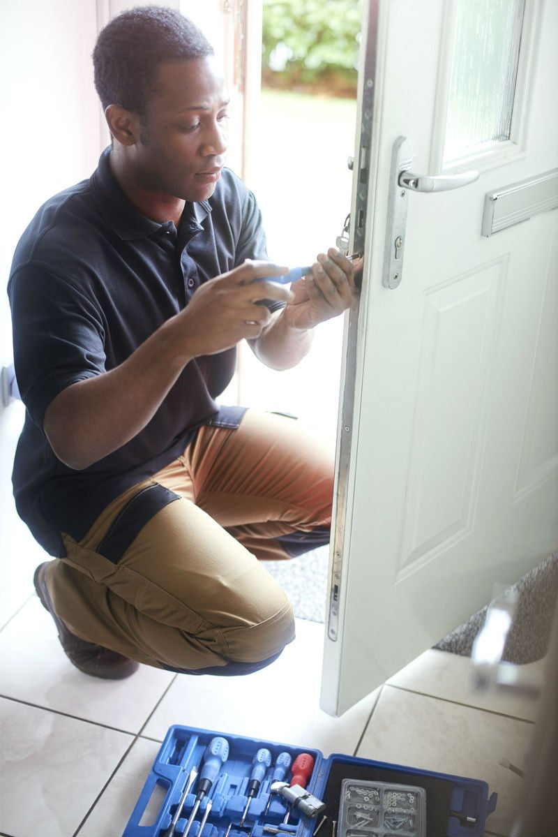 Here's What to Expect Changing Locks on a Door to Cost