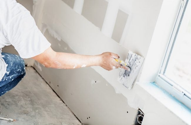 Joint Compound vs. Spackle: Which You Use to Install Drywall