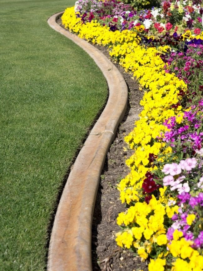 The Best Concrete for Landscape Edging