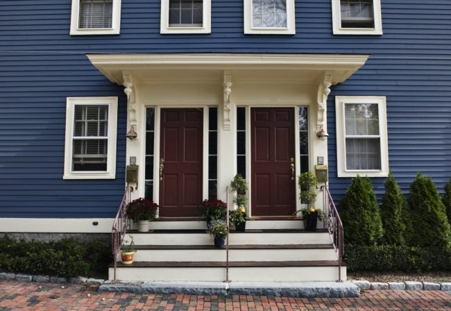 The Pros and Cons of Buying a Duplex