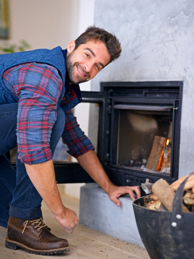 Light a Fire Correctly to Prevent Fireplace Smoke