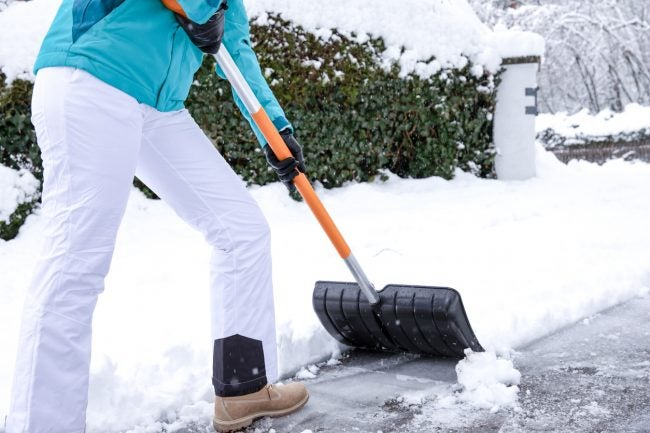 The Best Snow Shovels for Clearing Driveways
