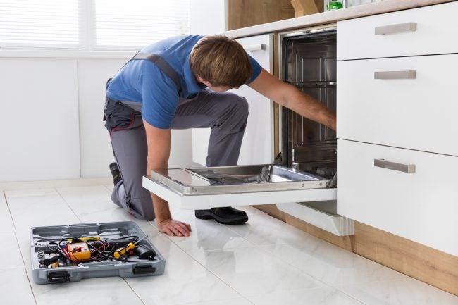 Repairing the Spray Arm When Your Dishwasher is Leaking