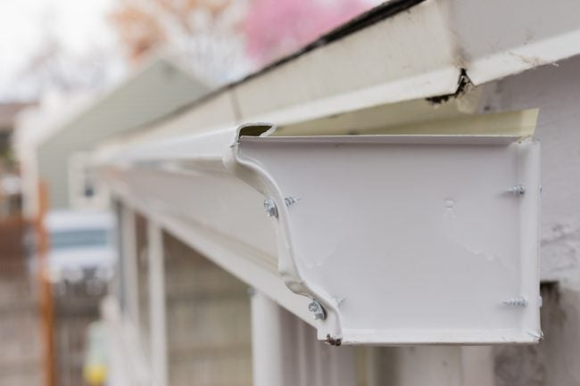 Solved! How to Fix Leaking Rain Gutters
