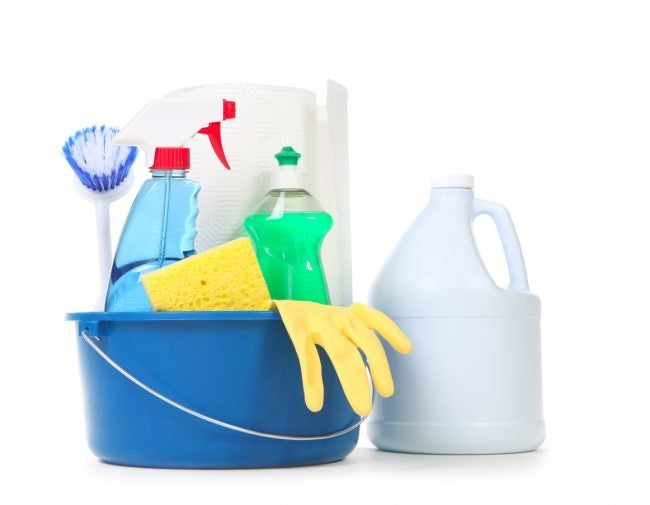 8 Tips for Safely Disinfecting with Bleach