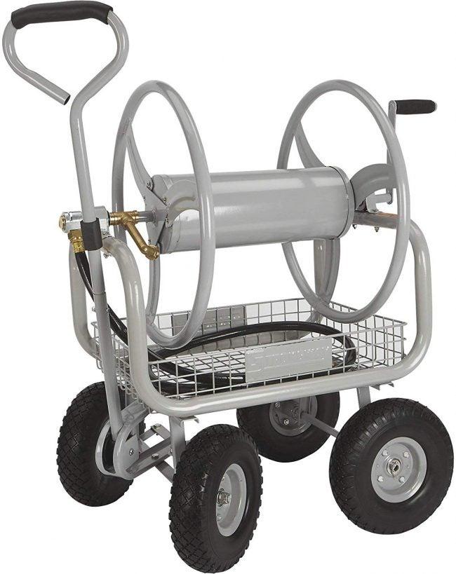最好的软管卷轴选项:Strongway Garden软管卷轴推车