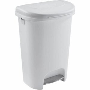 The Best Kitchen Trash Can Option: Rubbermaid Classic 13 Gallon Step On Trash Can