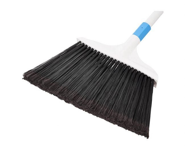 The Best Broom Option: AmazonBasics Heavy-Duty Broom