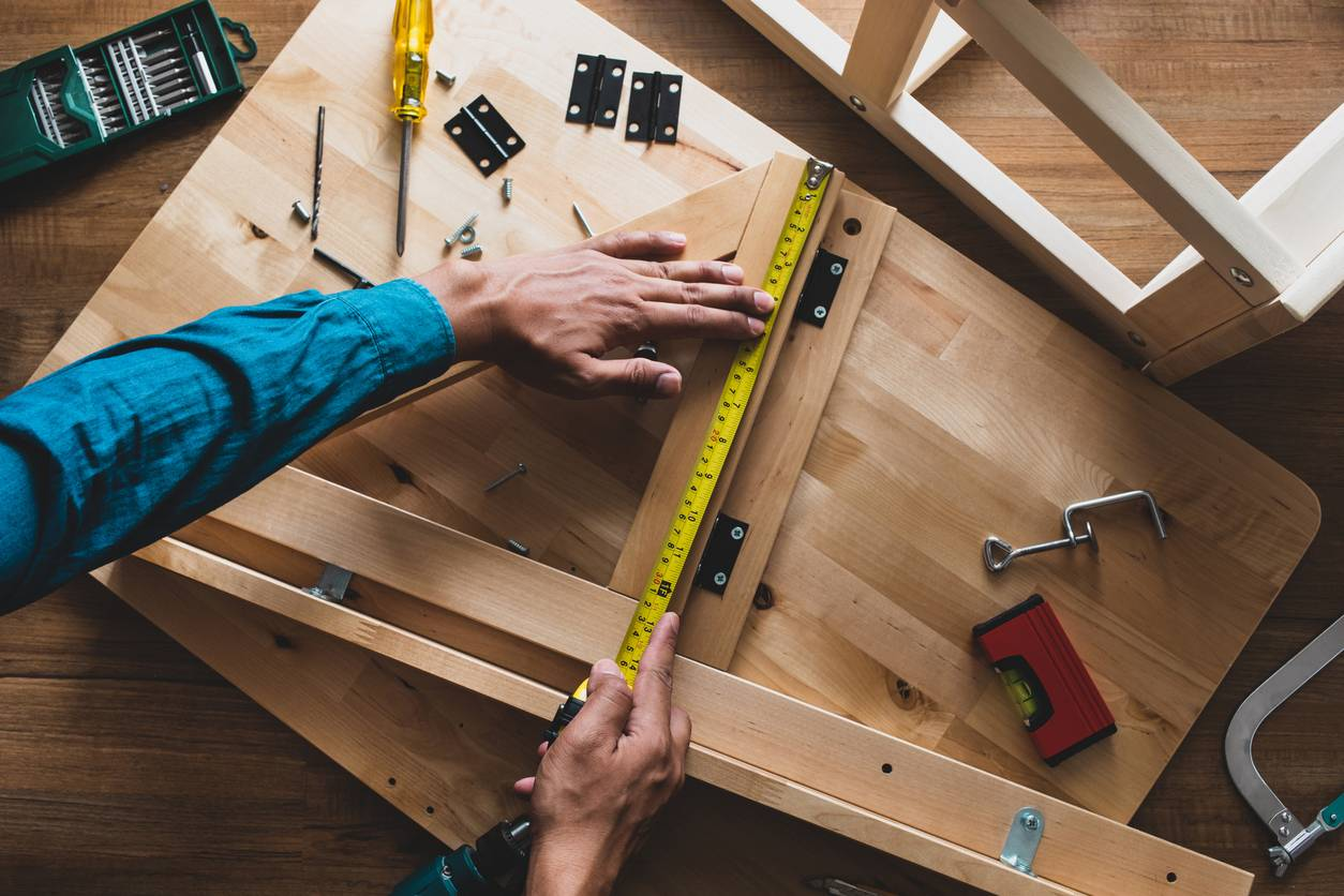 How to Use a Tape Measure (and Read Its Results) - Bob Vila