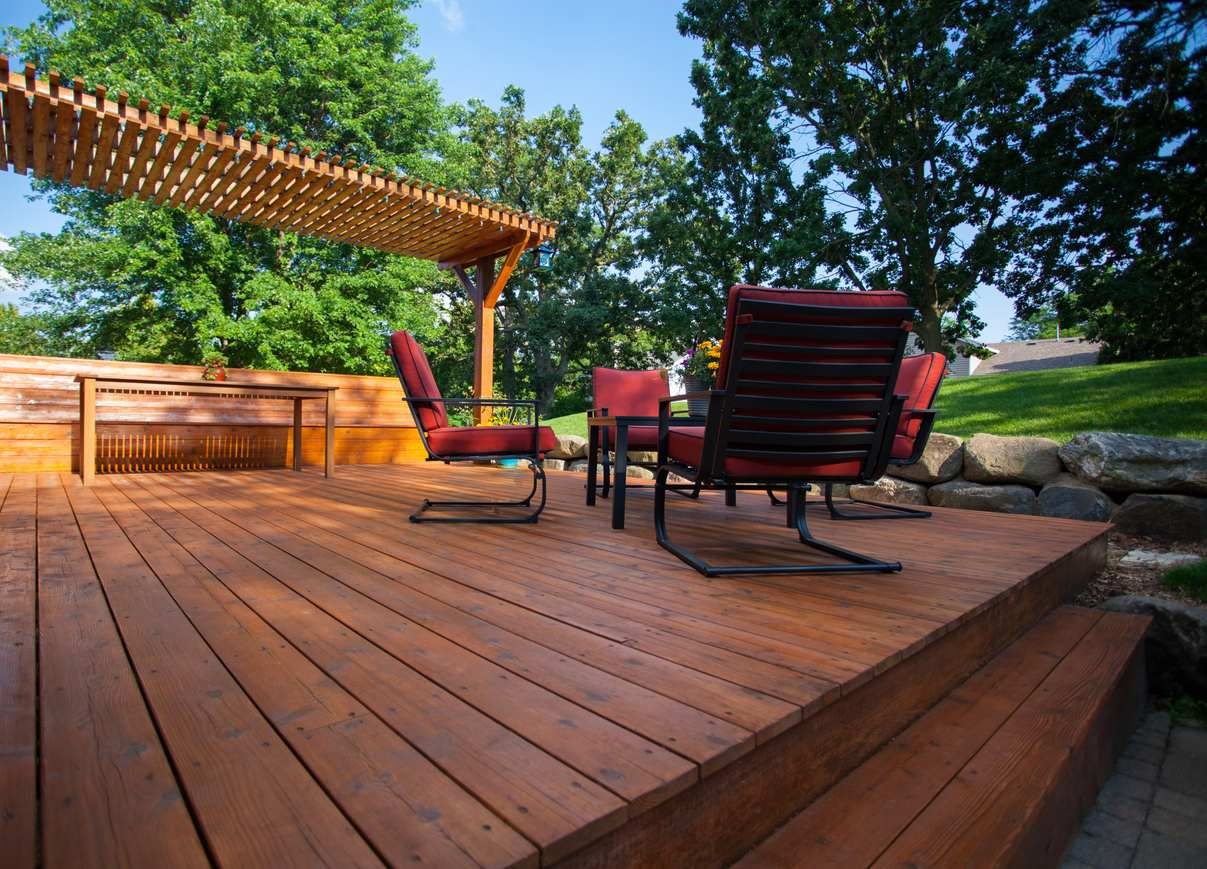 The Dos and Don'ts of Sealing the Deck