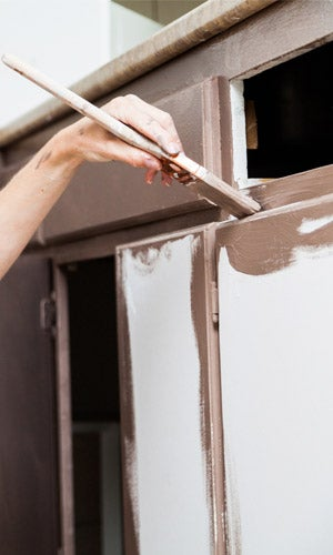 Painting Kitchen Cabinets: Different Surfaces
