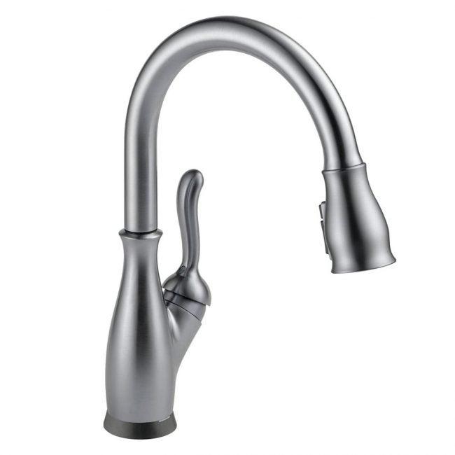 The Best Kitchen Faucet Option: Delta Faucet Leland Single-Handle