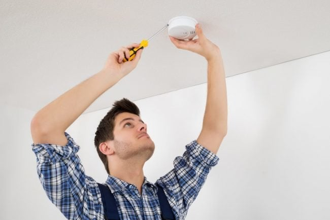 How To: Install a Smoke Detector
