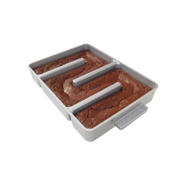 最佳布朗尼烤盘选择:Baker's Edge不粘锅