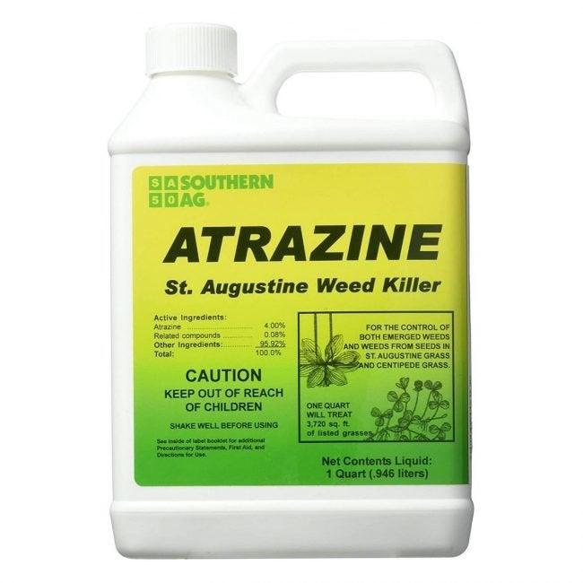最好的Crabgrass Killer选项:南Ag atrazine St.奥古斯丁杂草杀手