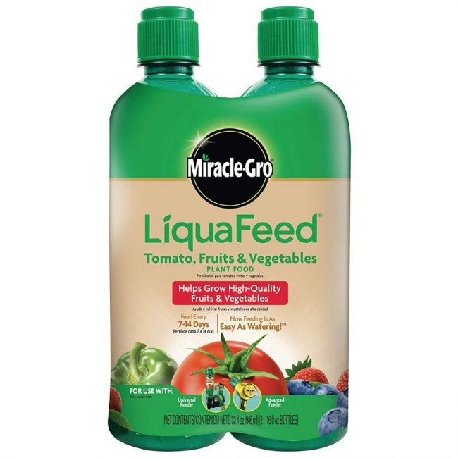 The Best Fertilizer for Tomatoes Option: Miracle-Gro LiquaFeed Tomato Plant Food