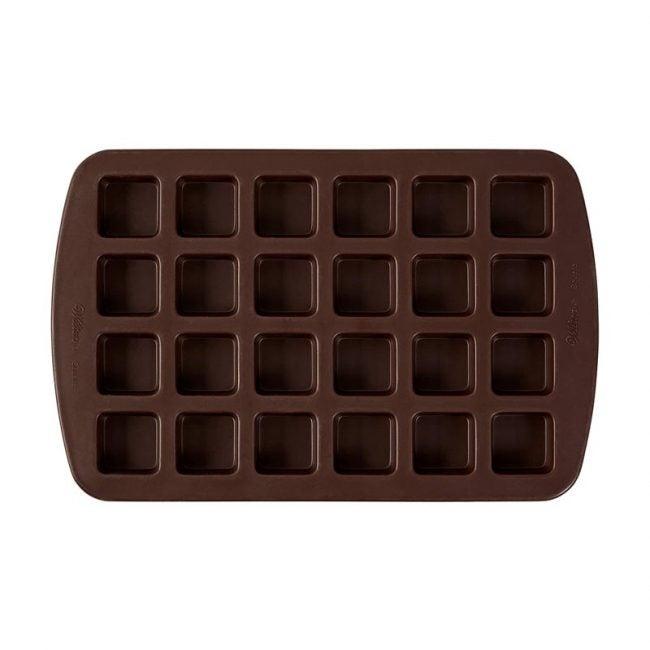 最好的布朗尼潘选择:威尔顿咬大小布朗尼方形硅胶模具