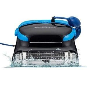 最好的机器人池清洁剂选择:海豚Nautilus CC Plus自动机器人清洁剂