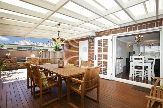 Deck vs. Patio: Choose the Right Outdoor Space for You