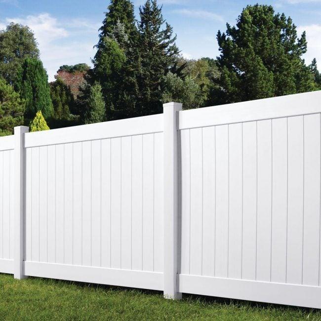 Vinyl Fence Installation Using White Veranda Panels