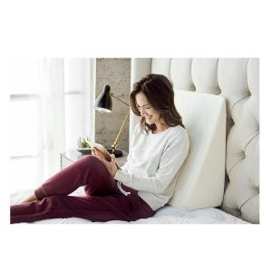 最佳床枕头选项:Brentwood Home Zuma治疗楔子枕头