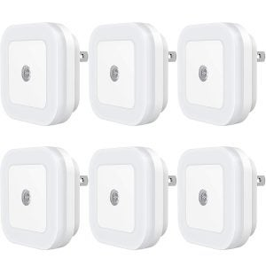 Best Night Lights Options: Sycees Plug-in LED Night Light with Dusk-to-Dawn Sensor for Bedroom