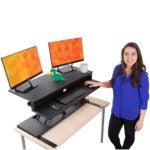 最佳站立式办公桌转换器:Flexpro Power 40英寸电动站立式办公桌- v2